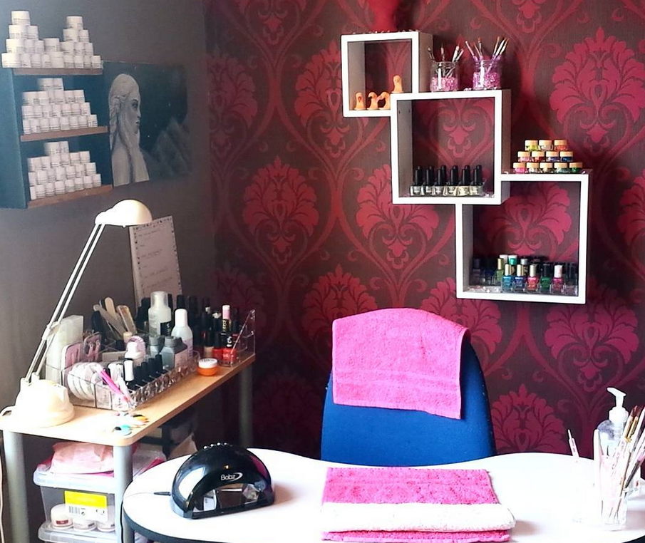 Manicure Tables Choose The Perfect Nail Station Broke