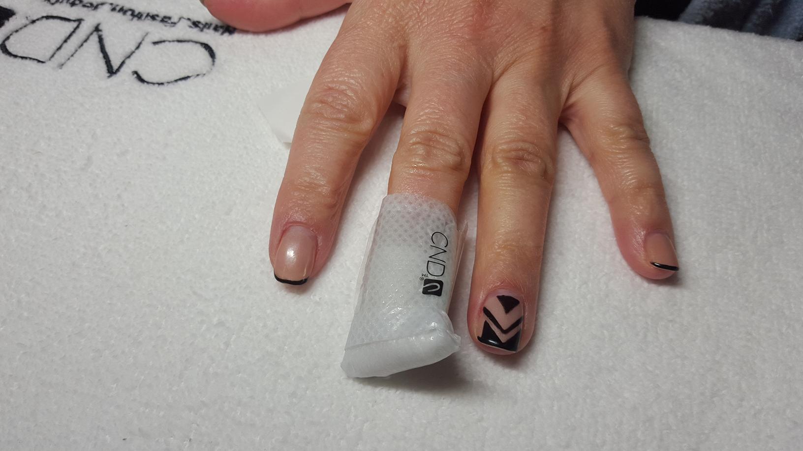 cnd shellac nail polish remover wrap